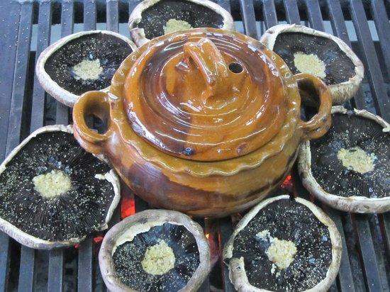 Las Cazuelas del Don: The Portobello mushrooms on the grill