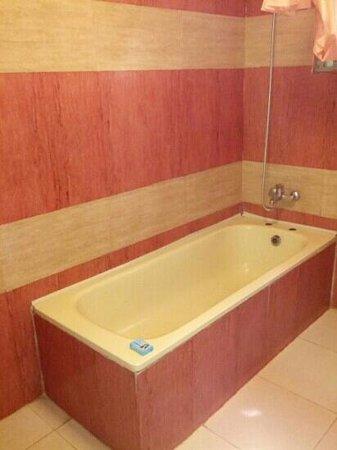 Tahir Guest Palace: nice clean bathroom