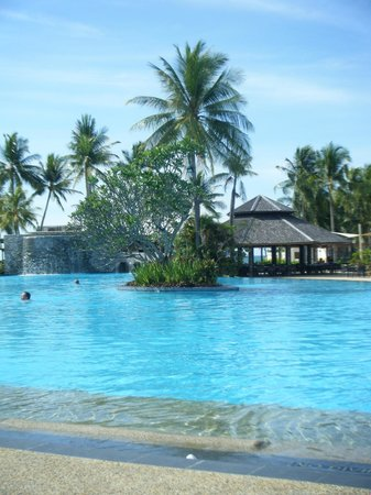 Shangri-La's Tanjung Aru Resort & Spa: the pool