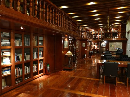 Franz Mayer Museum (Museo Franz Mayer): The Library of the Museum