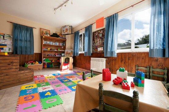 Sala De Juegos Para Niños Recreacion En Temporada Alta Fotografía