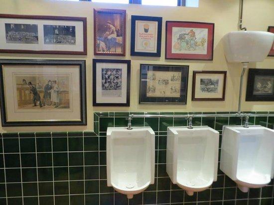 Sutton Hall: Gents