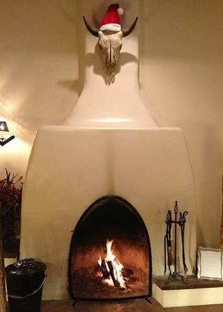 Inn on the Alameda: Fireplace at Christmas