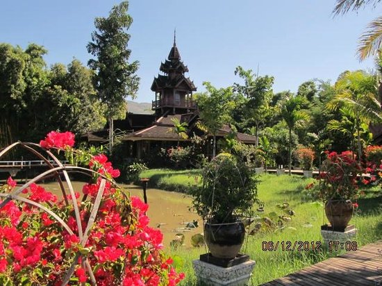 Inle Resort & Spa : Tropical Gardens