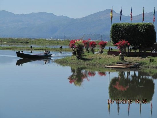 Inle Resort & Spa : Terible View from Room