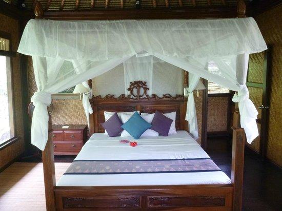 Alam Indah: Rambutan Master Bedroom