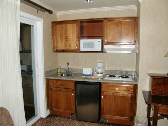 Yosemite View Lodge: Kitchenette in our Room