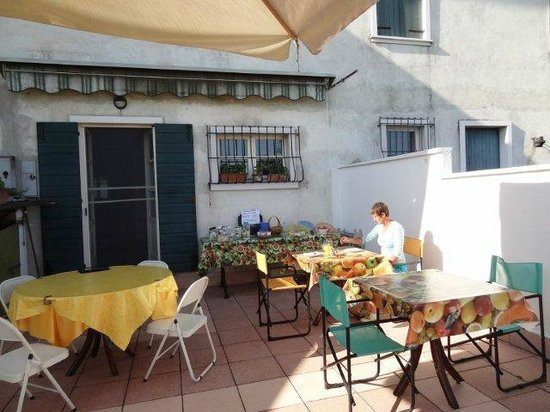 B&B Pegaso: Breakfast patio