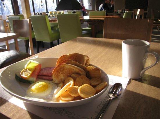 Hôtel Le Francis : Déjeuner du resto de l'hôtel... belle assiette mais goût fade