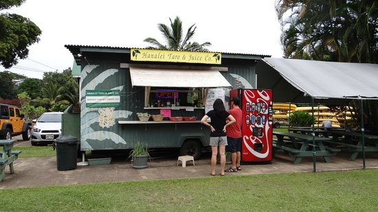 Hanalei Taro & Juice Company : Get a Shaka Mama smoothie