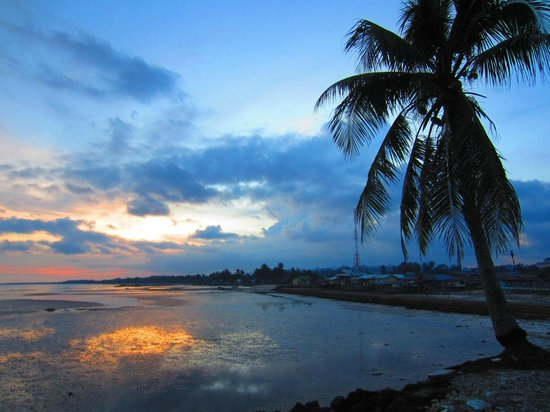 Dabo, อินโดนีเซีย: Beautiful sunsets along the splendid coastlines here