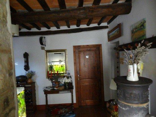 La Fiaba Bed & Breakfast: Entrance hall