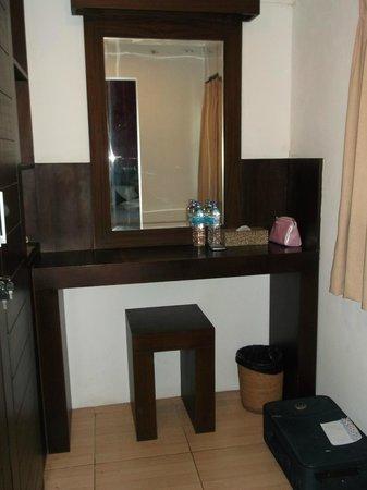 Puri Sading Hotel : Dressing Room