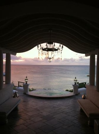 Belmond La Samanna: reception at sunset