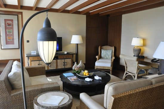 Shangri-La's Boracay Resort & Spa: The bottom floor of our Loft Villa