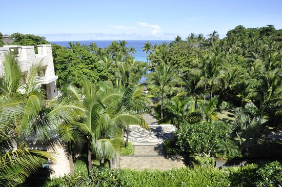 Shangri-La's Boracay Resort & Spa: View of the hotel grounds from the Lobby