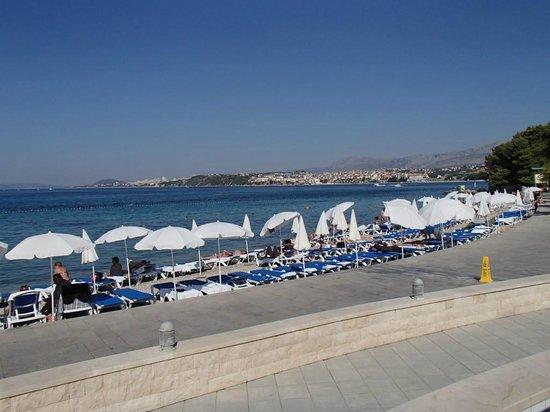 Le Meridien Lav Split: Hotel's Beach