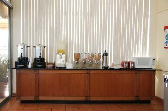 Hotel Melia Ponce: continental breakfast