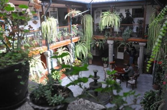 Hotel San Francisco de Quito: Courtyard 1