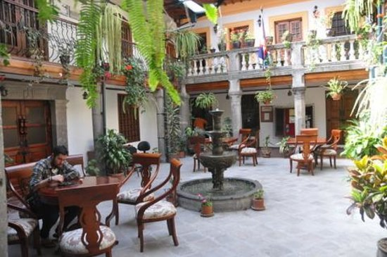 Hotel San Francisco de Quito: Courtyard 3