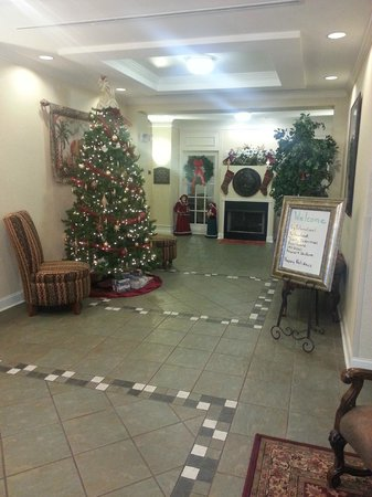 Holiday Inn Express Hotel & Suites Dyersburg: Lobby