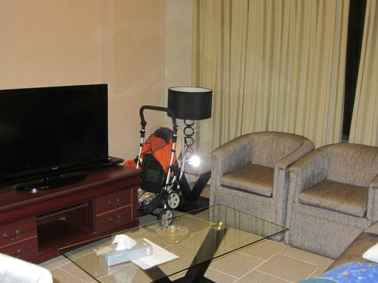 Crystal Suites : big screen TV