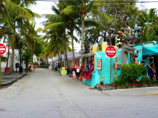 Remarkable Entering Lazy Way Lane Picture Of Key West Pretzel Interior Design Ideas Clesiryabchikinfo