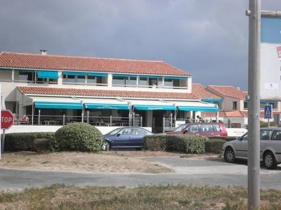 Le Grand Large : restaurant pour le petit déjeuner face à la mer
