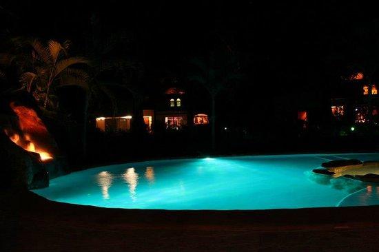 Villas Hermosas: pool even prettier at night