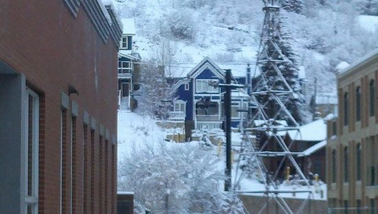Marriott's Summit Watch: Zoomed in view of Town Lift from living room window.