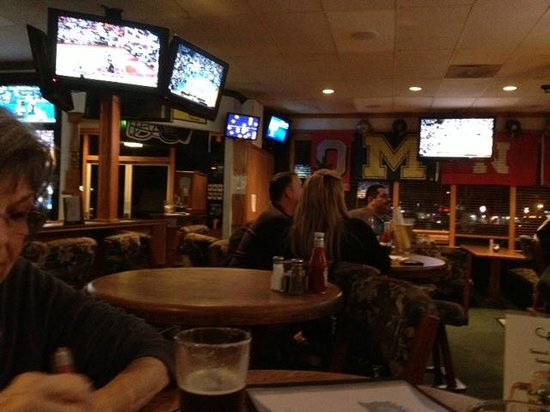 Players Sports Grill: TVs over the bar