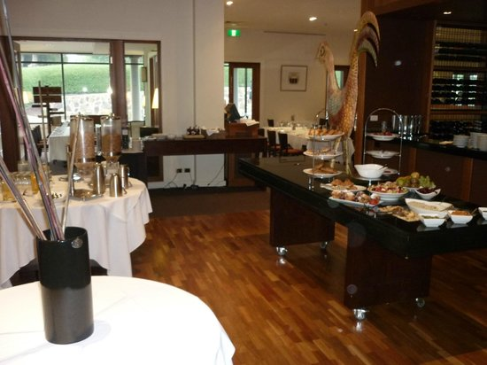 Yarra Valley Lodge: Bella Restaurant breakfast buffet