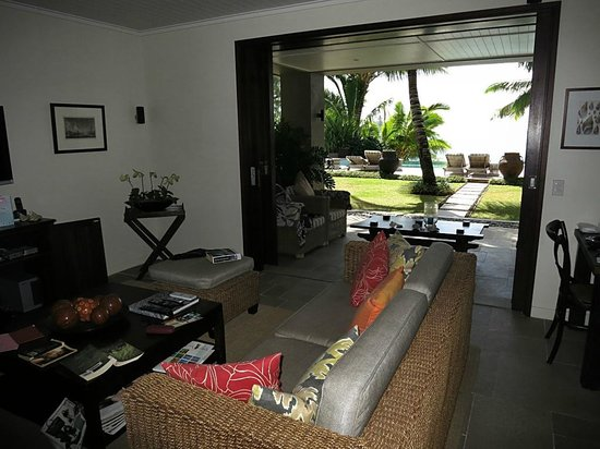 Te Vakaroa Villas: View from lounge to pool