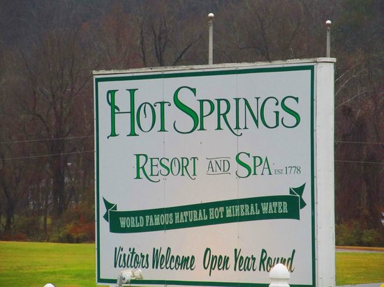 Hot Springs Resort & Spa: sign