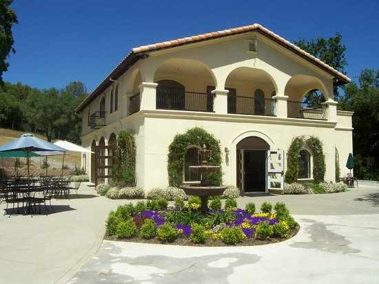 David Girard Vineyard: DGV Tasting Room