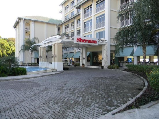 Sheraton Bijao Beach Resort - An All Inclusive Resort: Vista del área del lobie