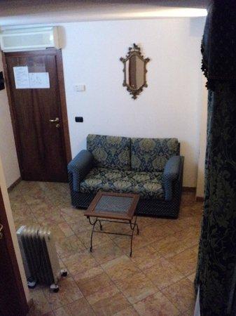 Casa ai Due Leoni: Downstairs sitting area