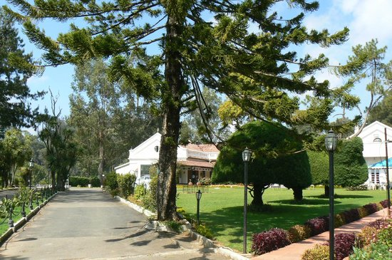 Taj Savoy Hotel, Ooty: Lovely garden for relaxing