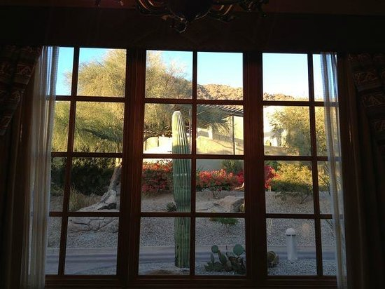 JW Marriott Scottsdale Camelback Inn Resort & Spa: View from dining room