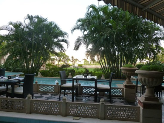ทัช กริชน่า ไฮเดอราบัด: Outdoor dining