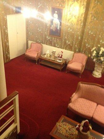 Berida Hotel: The general place smelt like a nursing home