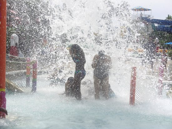 Kool Runnings Water Park: The splash when the coconut tilts.