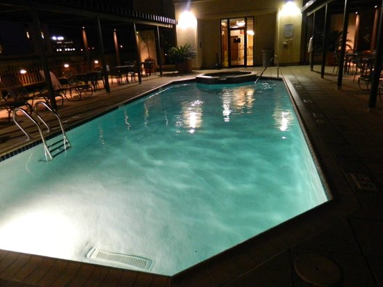 Drury Inn & Suites San Antonio Riverwalk: Pool Again