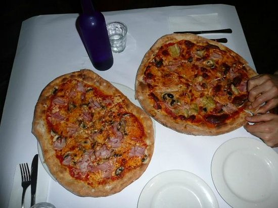 Osteria Martini: Nos thats my kind of pizza!