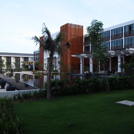 Sunrise Premium Resort Hoi An: Grounds
