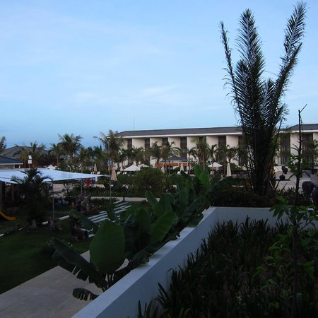 Sunrise Premium Resort Hoi An: View from lobby