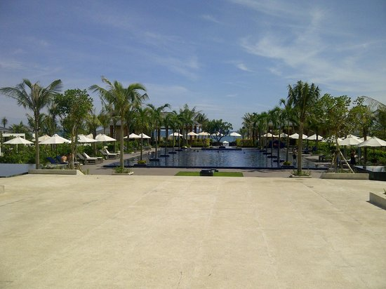Sunrise Premium Resort Hoi An: Main pool