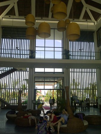 Sunrise Premium Resort Hoi An: Lobby