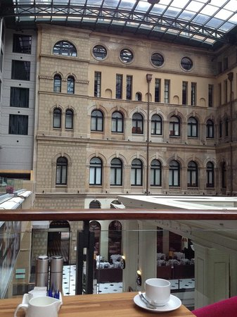 The Westin Sydney: ゆったりとした空間での朝食