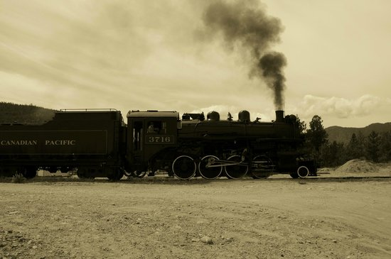 Kettle Valley Steam Railway: Yup ...just like the old west!